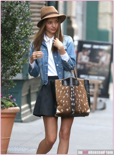 Miranda Kerr Heads To A Meeting In New York
